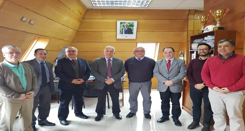 1_Foto Decano Servicio de Salud Chiloe
